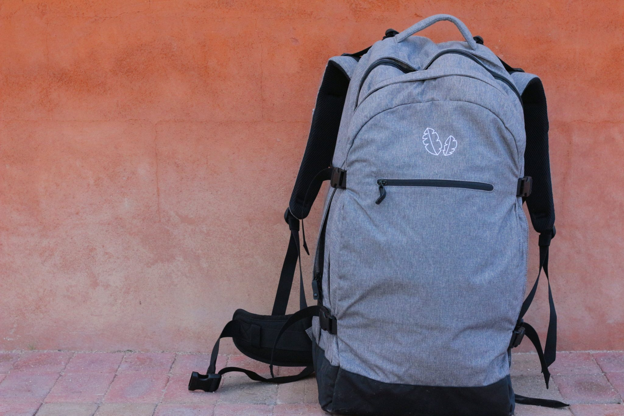 REVIEW: This Travel Backpack For Digital Nomads Is Stylish & Has A Positive Social Impact
