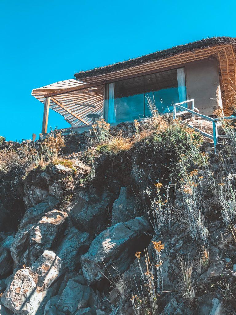 Amantica Lodge on the cliffs